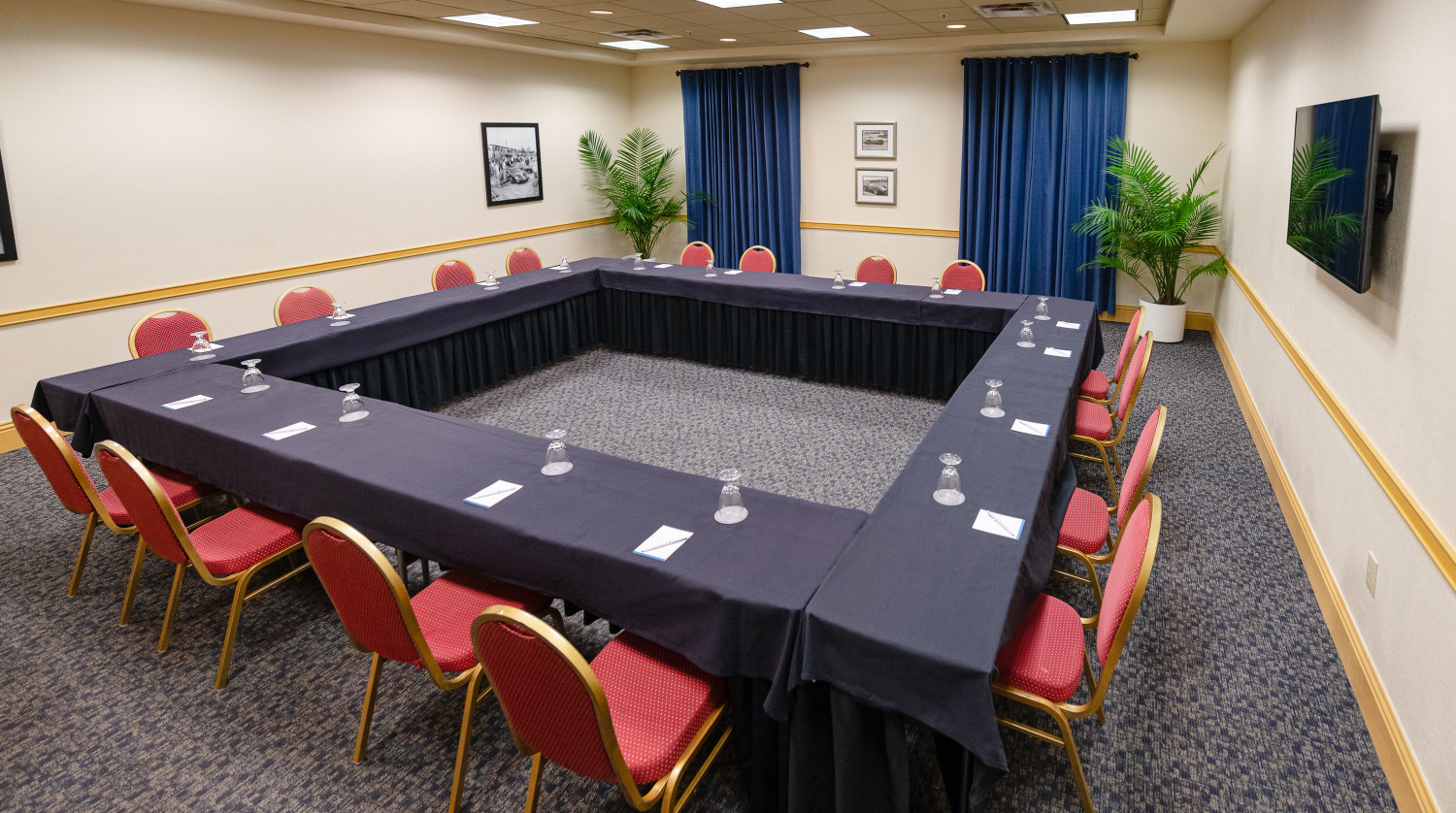 Panoz Meeting Space at Seven Sebring Raceway Hotel